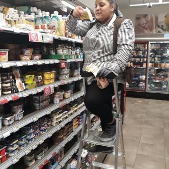 Einzelhandelskauffrau