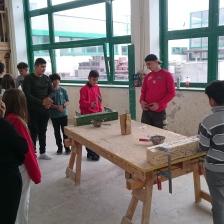 Die 3. Klassen durften sich an den Lehrberufen des Bau's ausprobieren.
